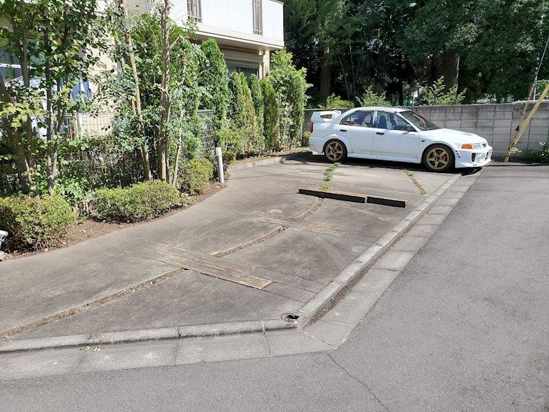 ヴェルデ・フィオーレ駐車場 外観
