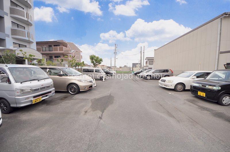 プライムコート 駐車場