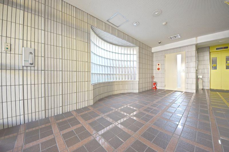 貸店舗・事務所 八尾市 桜ヶ丘3丁目 リバティ桜ヶ丘Ⅱ号館  ロビー