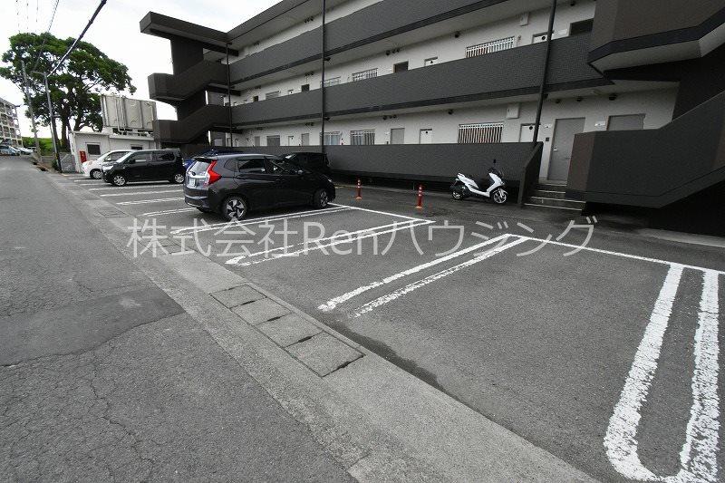 コーポ藤田 駐車場
