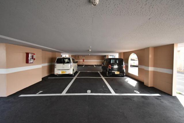 ギャラック沖洲 駐車場