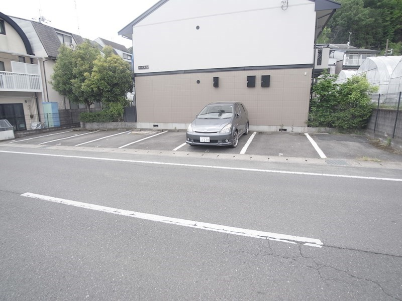 カーサ蟹ヶ坂 駐車場