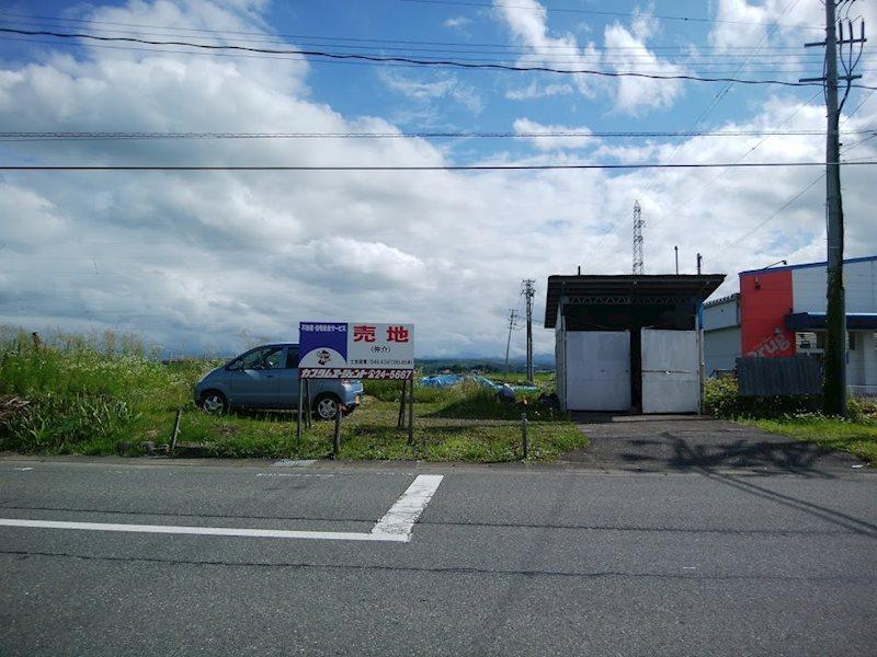 川西町上小松 外観写真