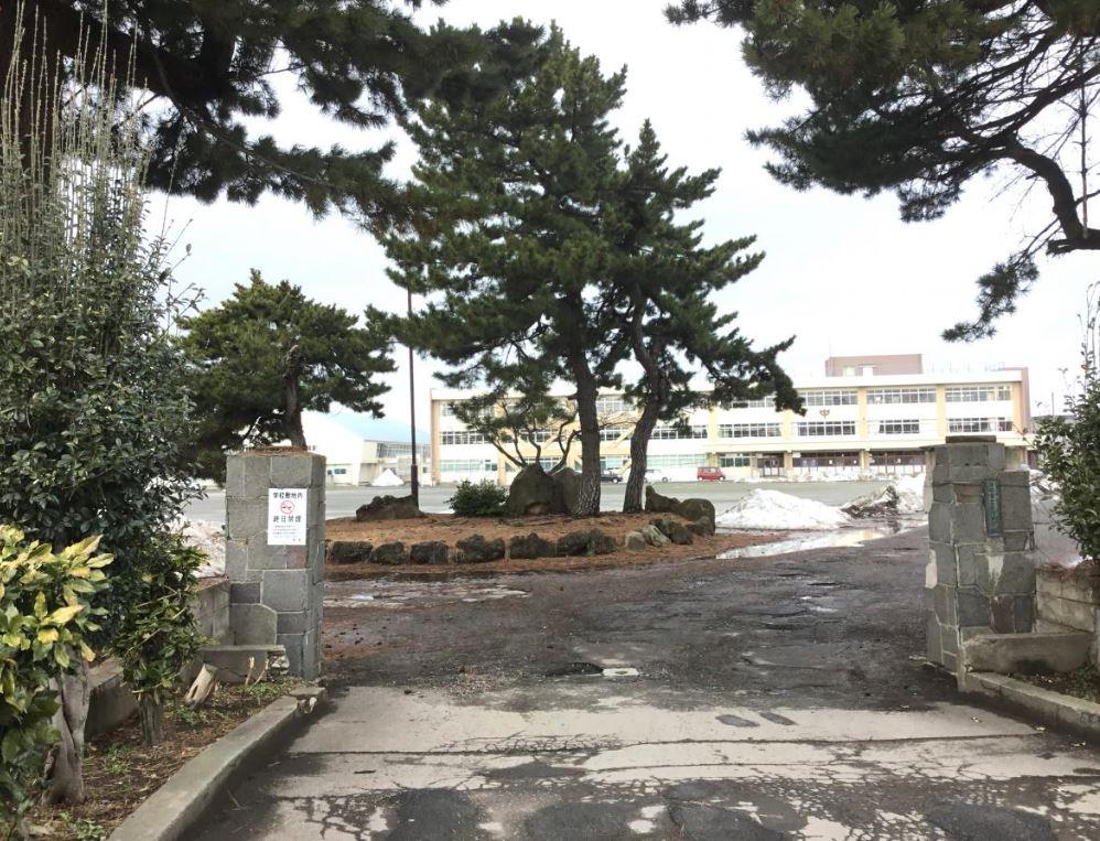 青森市立古川中学校